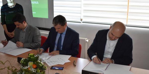 """Potpisan Memorandum o saradnji u okviru projekta """"Osnaživanje mladih preduzetnika iz oblasti poljoprivrede"""""""